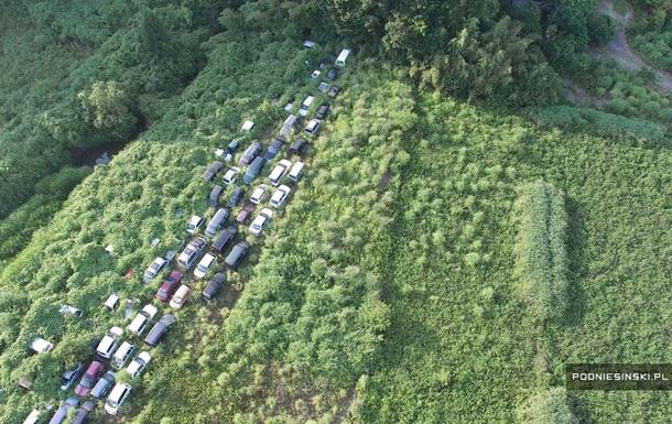 Коровы с пятнами, деревья в машинах. Поляк показал мертвую Фукусиму