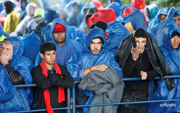 Венгрия заявила, что справилась с потоком мигрантов без помощи ЕС