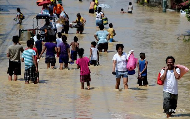 Количество жертв тайфуна на Филиппинах превысило 50 человек