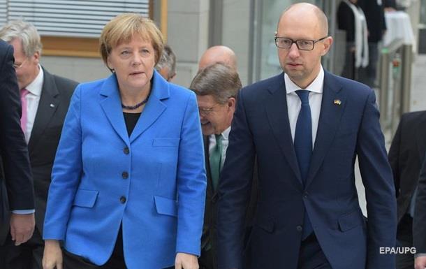 Меркель: Киев должен контролировать границу с РФ