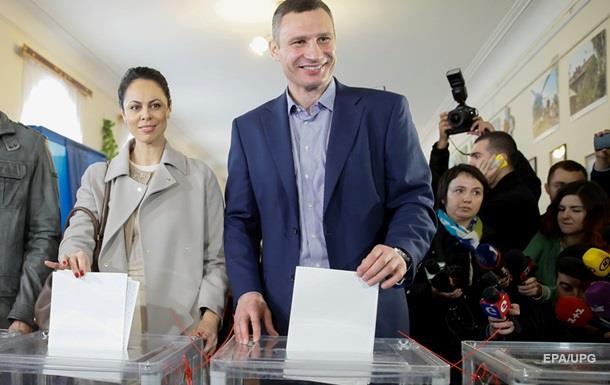 В Киеве побеждает Кличко, проходят пять партий