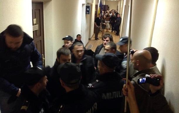 Соратники Мосийчука устроили драку в суде
