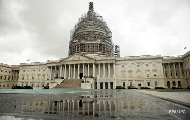 Сенат США одобрил повышение лимита госдолга до конца срока Обамы