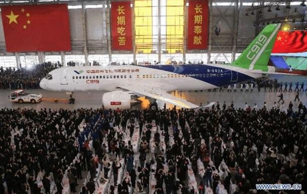 Конкурент Boeing и Airbus. Китай представил новый авиалайнер