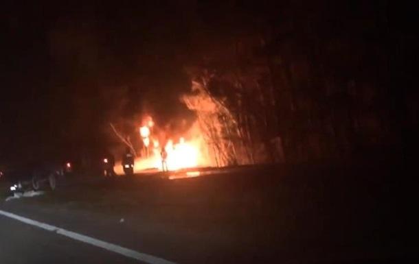 Под Киевом взорвался бензовоз с 20 тоннами топлива