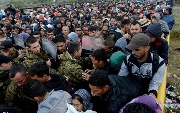 В Европу за месяц прибыло рекордное число беженцев