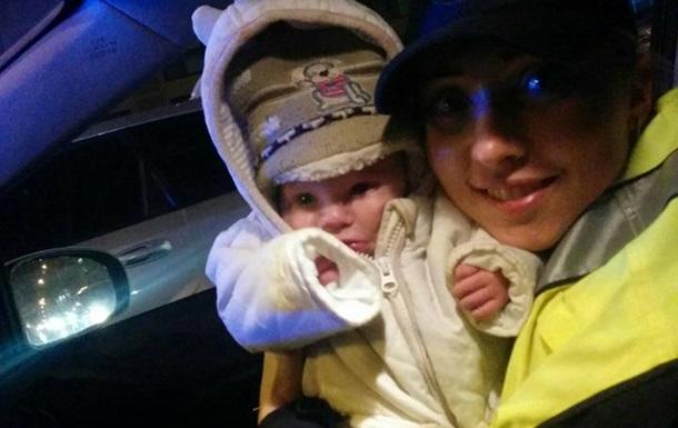 В Киеве полицейские нашли полузамерзшего малыша
