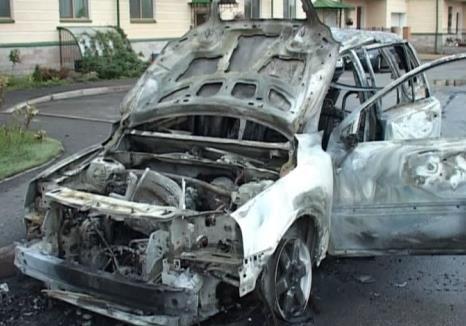 На Херсонщине ни дня без сгоревшего авто