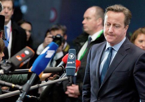 Times: Кэмерон отказался от планов наносить авиаудары по ИГ в Сирии