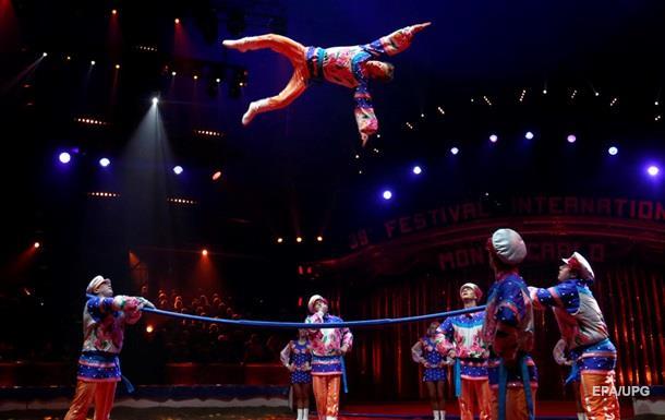В цирках РФ начнут показывать кино - СМИ