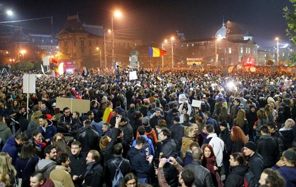 В Москве начались массовые задержания участников шествия: полиция выхватывает людей из толпы и отводит в автозак - Цензор.НЕТ 8618