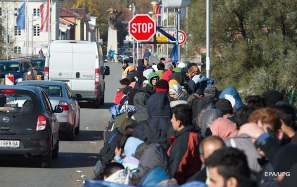 ЄС прогнозує прибуття 3 мільйонів мігрантів до кінця 2016 року