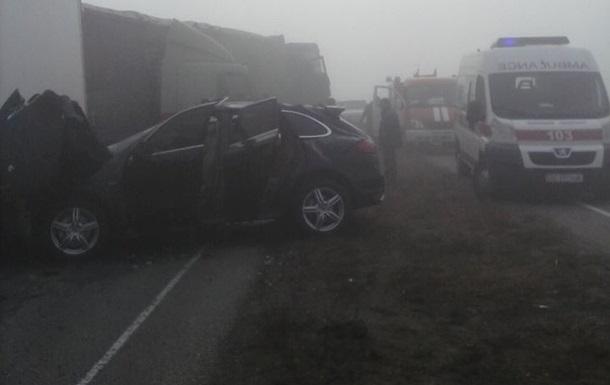 На Днепропетровщине из-за тумана столкнулись пять авто