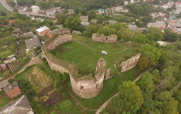 Замки как стройматериалы. Как в Украине уничтожались крепости Средневековья
