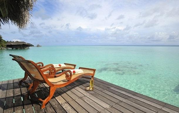 Украинцам советуют отложить поездки на Мальдивы