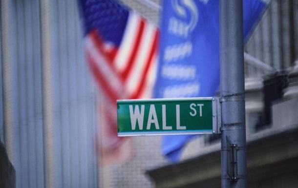 Американские банки впервые за четыре года сократят бонусы