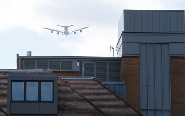 Рейс Лондон-Афины вернулся в Хитроу из-за ЧС на борту