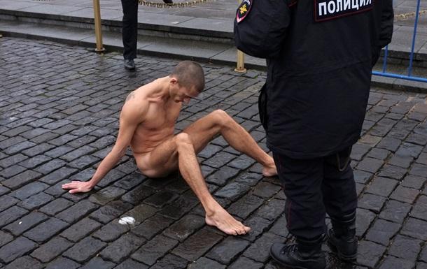 Акции протеста в России проходят в жанре политического искусства