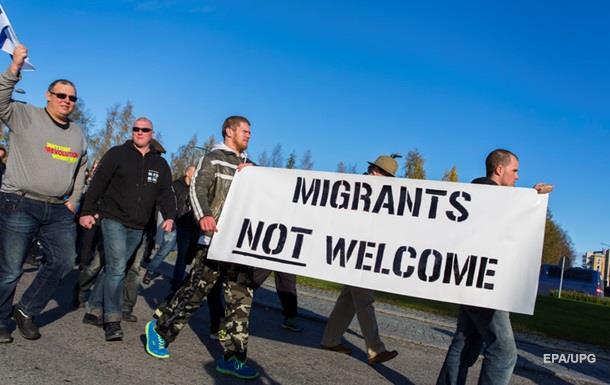 Финляндия готова приостановить прием беженцев