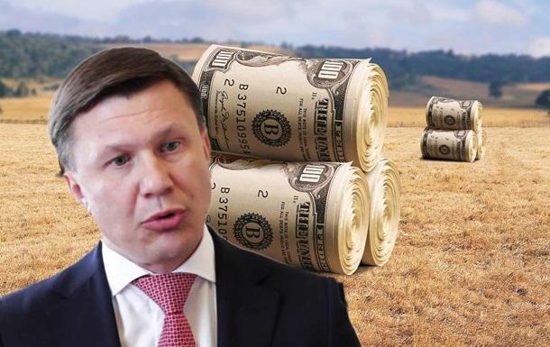 Руслан Демчак – президентський пасинок, намагається приватизувати Держзембанк
