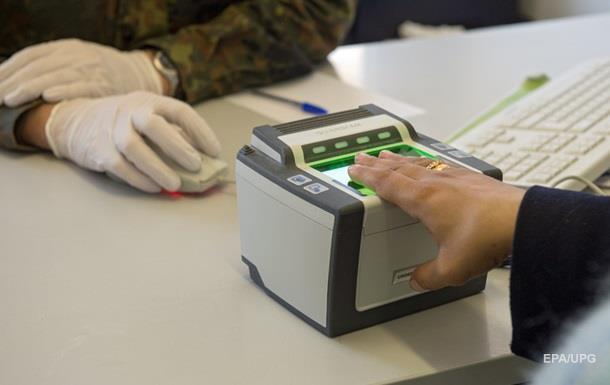 Швеция вводит пограничный контроль из-за наплыва беженцев