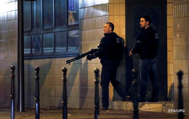 Франция закрывает госграницы и вводит войска