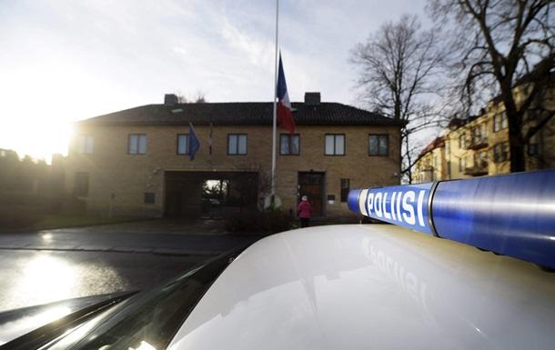 Парижская полиция в погоне за авто с вооруженными мужчинами