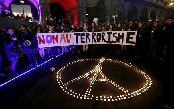 Число жертв терактов в Париже выросло