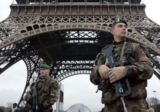 Теракти в Парижі віддалять Україну від Європи