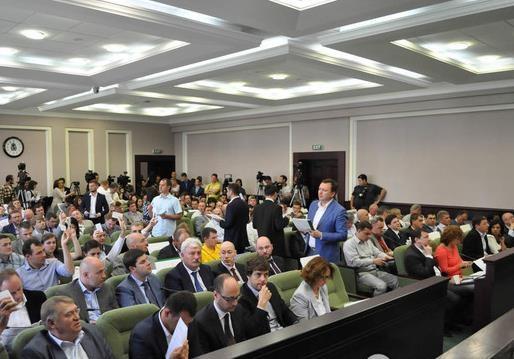 В Київраді почали розподіляти портфелі голів постійних комісій