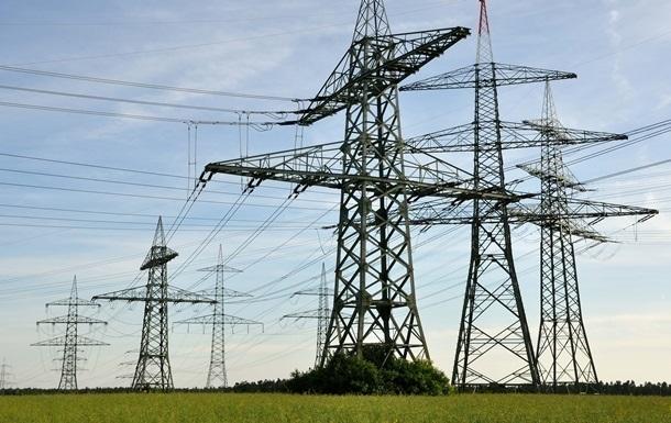 На границе с Крымом подорвали две электроопоры