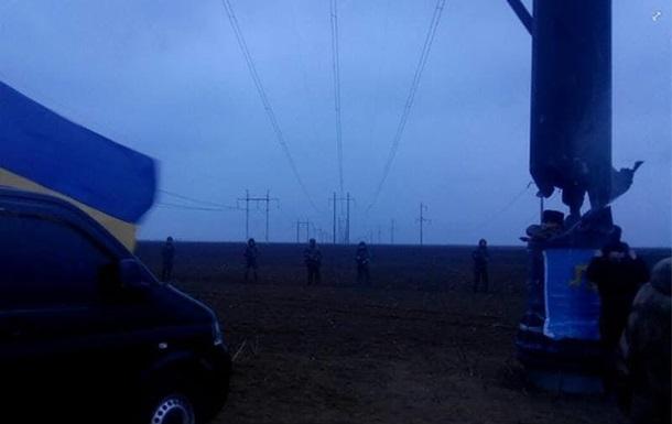 Силовики оттеснили участников блокады Крыма от ЛЭП