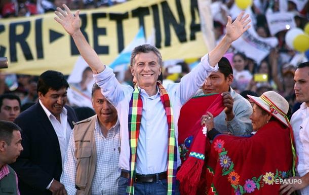 На президентских выборах в Аргентине лидирует оппозиционный кандидат