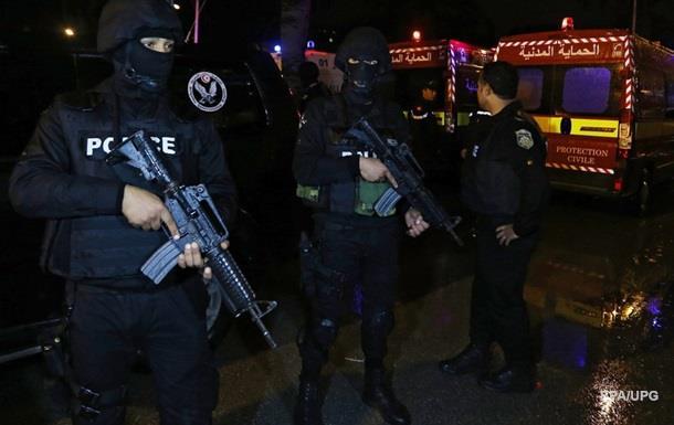 В Тунисе 11 человек погибли во время взрыва автобуса
