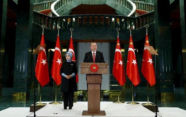 Эрдоган: Обломки Су-24 ранили двух граждан Турции
