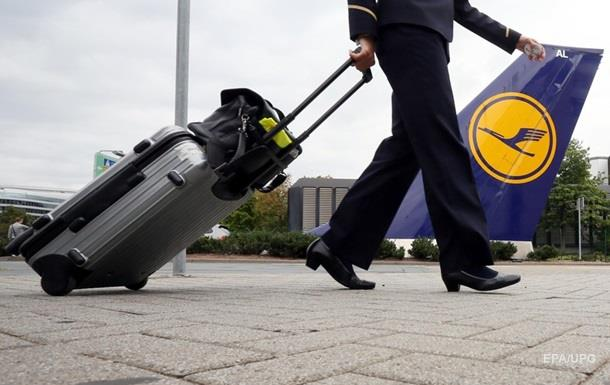Бортпроводники Lufthansa передумали бастовать