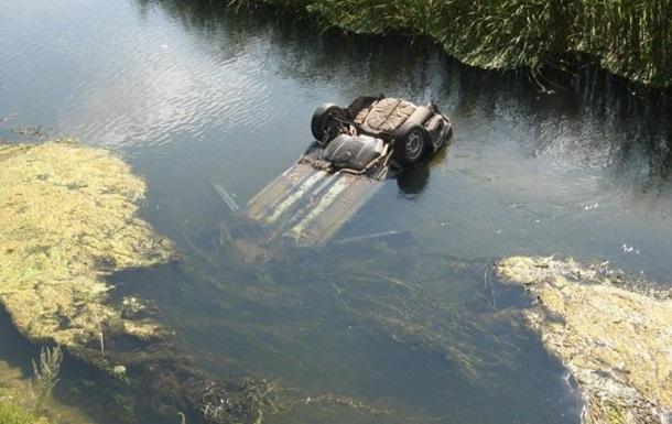 В Буркина-Фасо автобус упал в пруд: утонули 22 человека