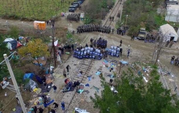 Мигранты подрались с македонской полицией