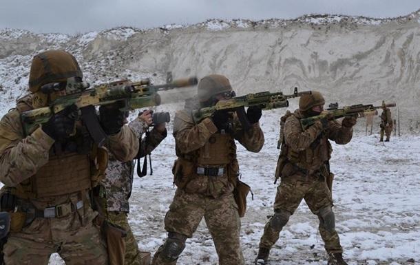Украинский спецназ учился стрелять на опережение