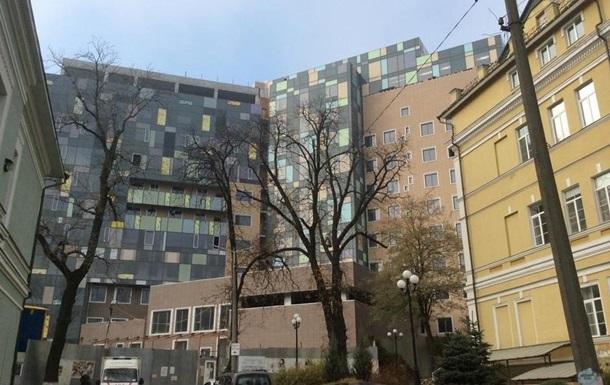 В Киеве на территории Охматдета нашли боеприпас