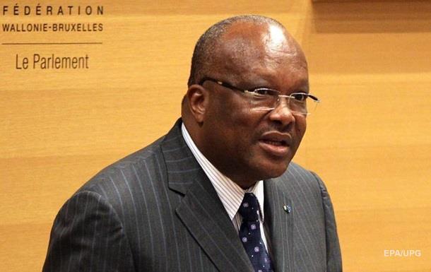 В Буркина-Фасо избран первый за 28 лет новый президент