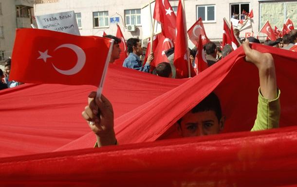 Турция призвала РФ открыть каналы военной связи