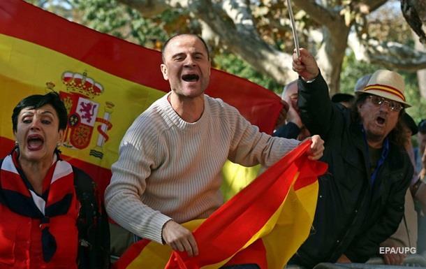 Независимость Каталонии: мнения разделились поровну