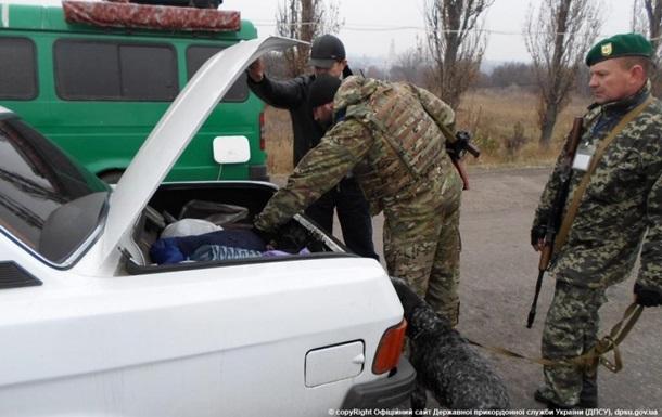 На Донбассе тысячные очереди на пунктах пропуска