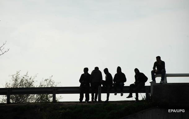 Во Франции около 20 мигрантов спрятались в цистерне