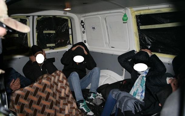 На западе Украины задержали 17 нелегальных мигрантов