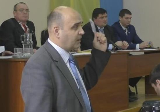 В Полтаве районный депутат отказался голосовать