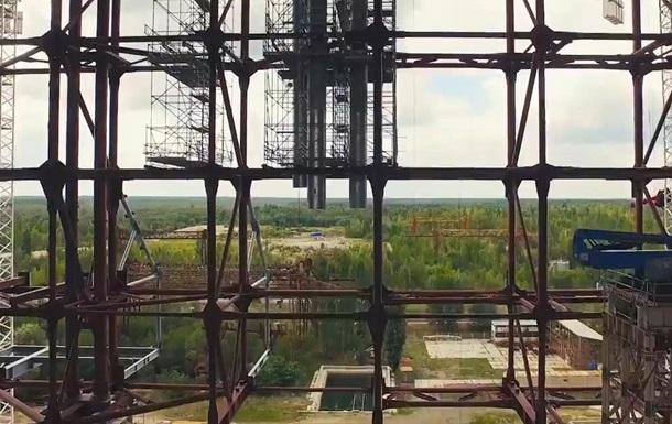 Дрон заснял строительство нового саркофага на ЧАЭС