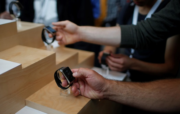 Google разрабатывает смарт-часы для анализа крови без иглы