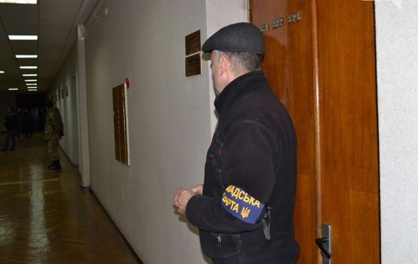 В Кривом Роге активисты выгнали Вилкула из мэрии – нардепы